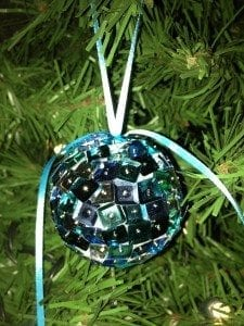 Easy Sequin Christmas Ornament